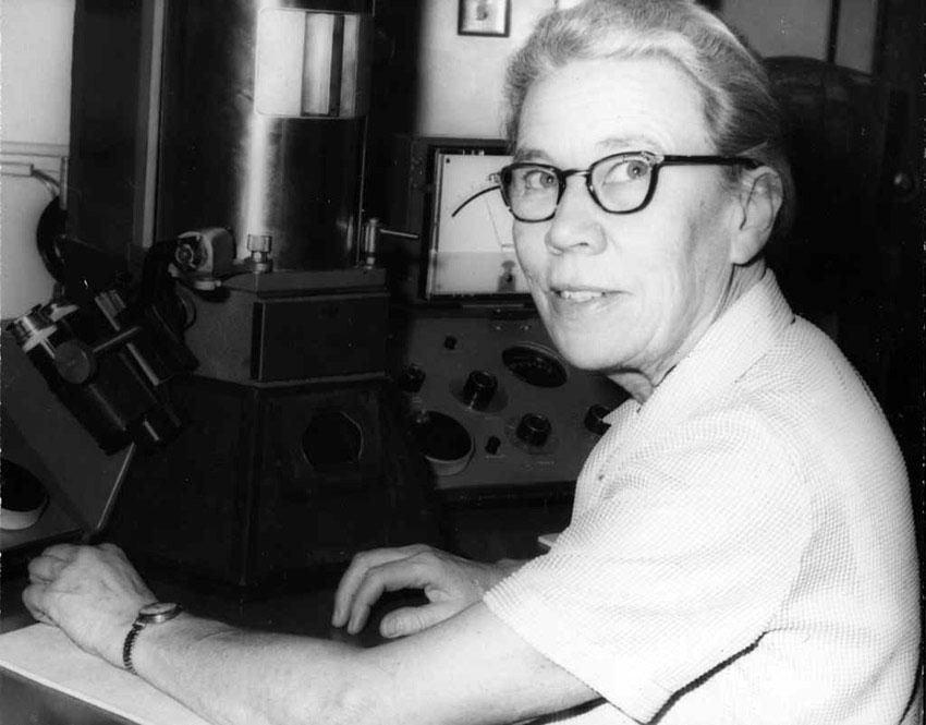 The Katherine Esau Digital Archive | CCBER